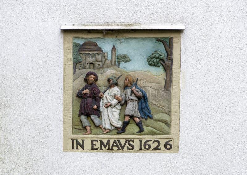 EN EMAVS 1626, en una pared en blanco blanca en el Begijnhof, Amsterdam imagen de archivo
