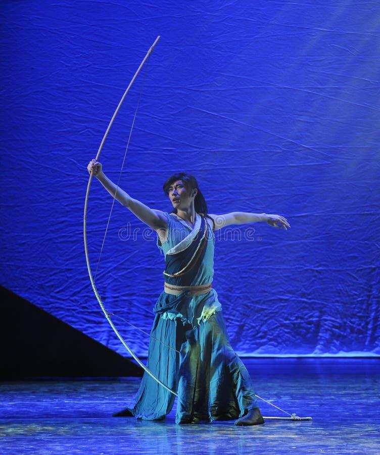 En enorm pilbåge-dansdrama legenden av kondorhjältarna royaltyfria foton