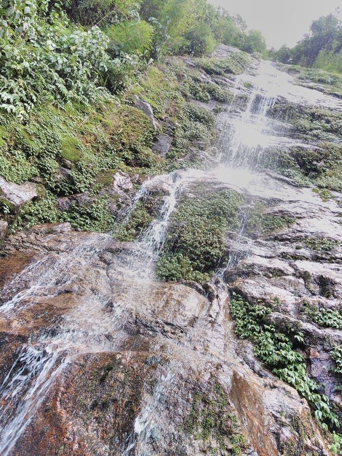 En enorm vattenfall arkivbild