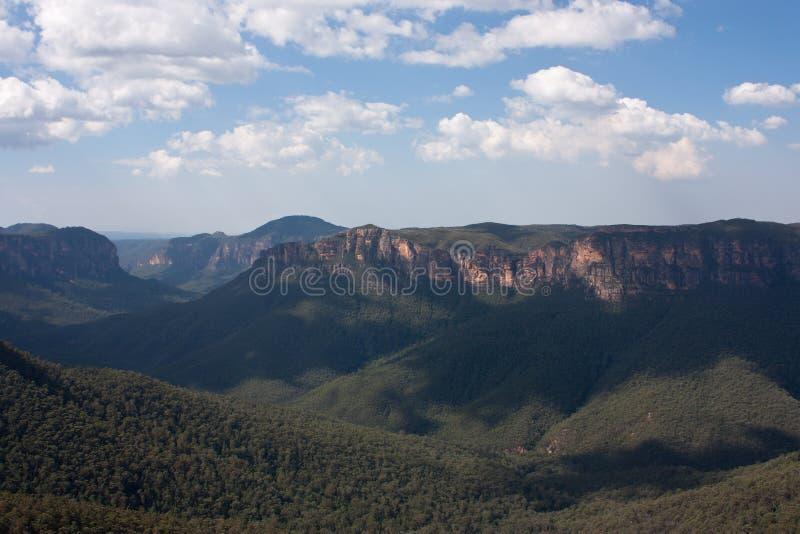 En Evan' puesto de observación de s en montañas azules fotos de archivo