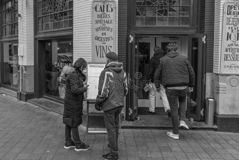 En 21% förhöjning av restauranger och stänger i Nederländerna i de sista 10 åren arkivbilder