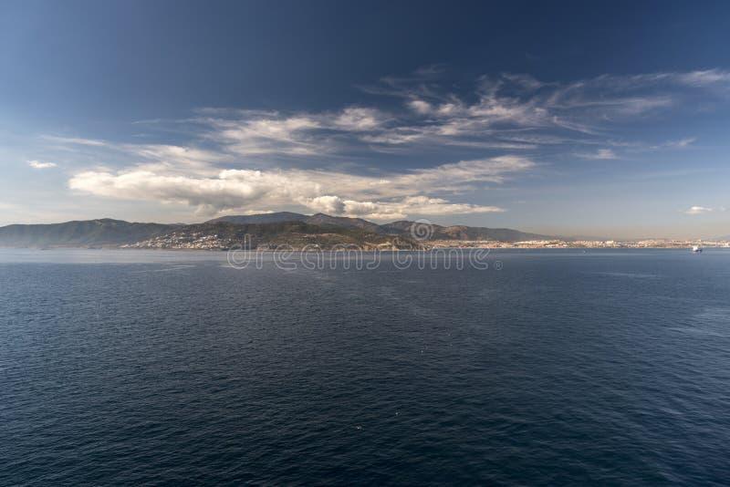 En förort av Algeciras Spanien från drottningen Elizabeth royaltyfri foto