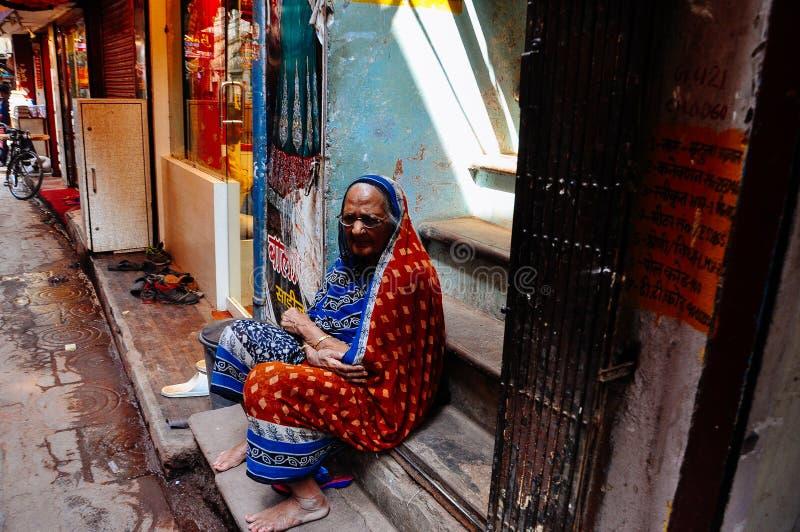 En fläder i Varanasi, Indien arkivbild