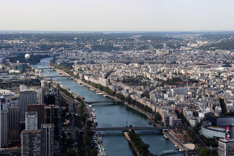 En flyg- sikt av Paris, Frankrike royaltyfri fotografi