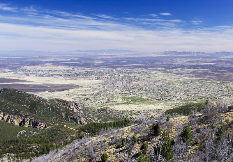 En flyg- sikt av toppiga bergskedjan utsikt, Arizona, från Carr Canyon arkivfoto
