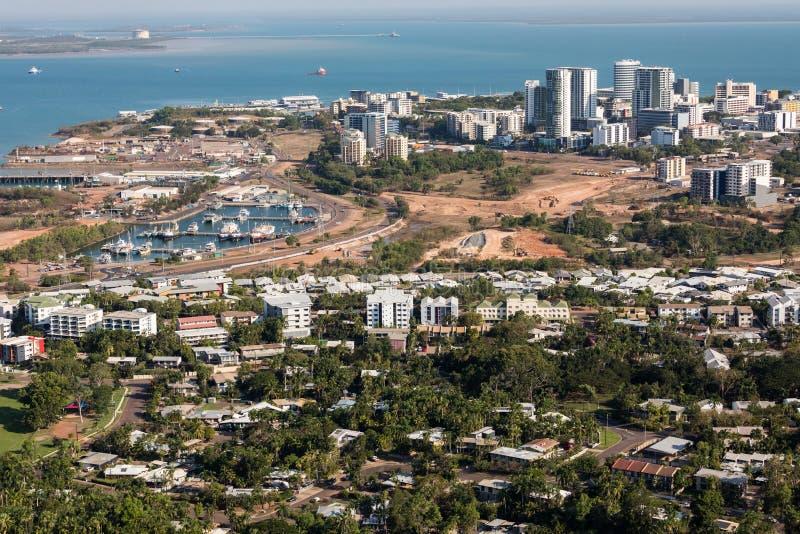 En flygbild av Darwin, huvudstaden av det nordliga territoriet av Australien royaltyfri bild