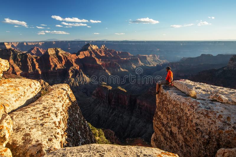 En fotvandrare i den Grand Canyon nationalparken, norr kant, Arizona, USA royaltyfri foto