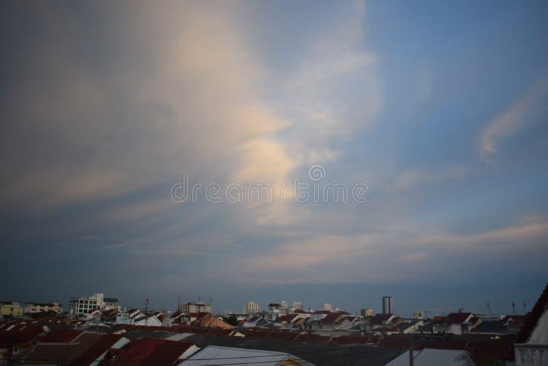 En fridsam himmel royaltyfria foton