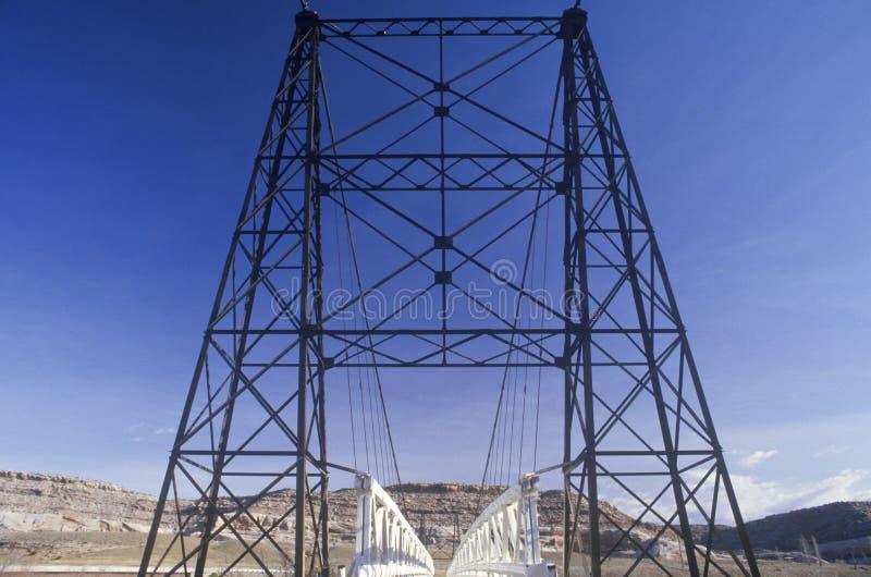 En gammal bro över Coloradofloden i sydliga Utah royaltyfria bilder