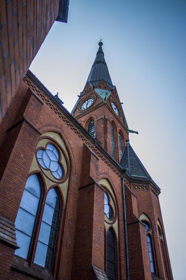 En gammal europeisk gotisk kyrka royaltyfria bilder