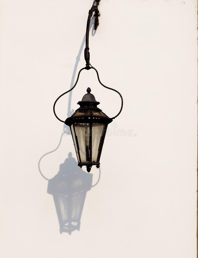 En gammal lampa arkivbild