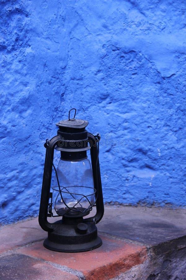 En gammalmodig olje- lampa arkivfoto