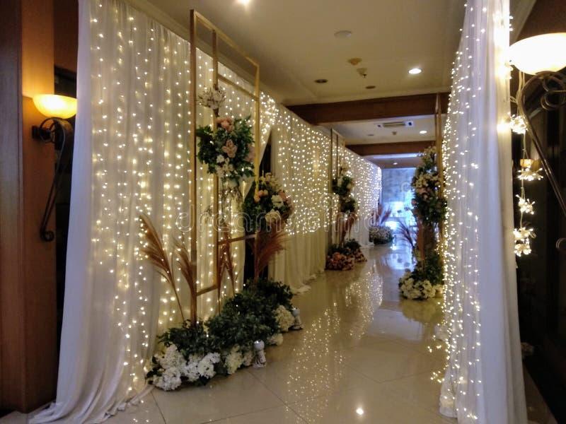 En garnering av bröllopceremoni royaltyfria bilder