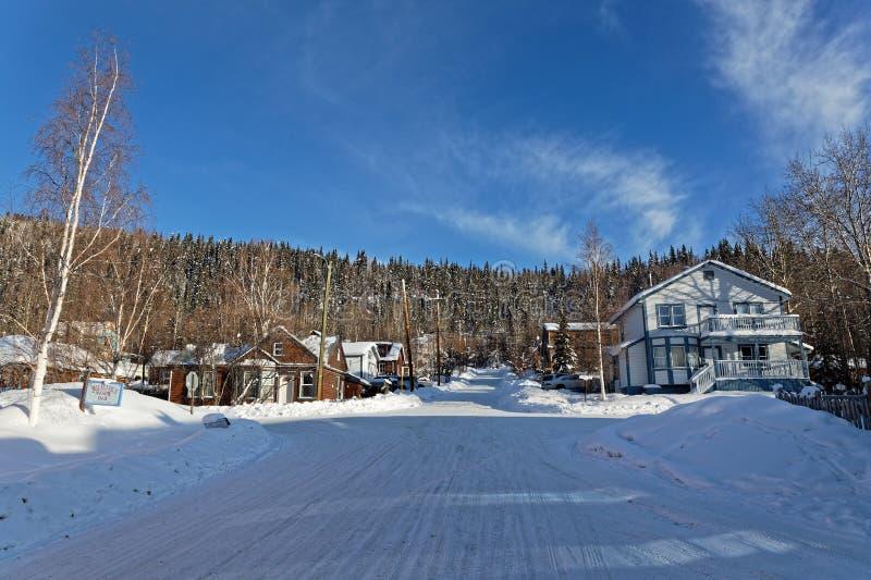 En gata av Dawson i vinter royaltyfria bilder