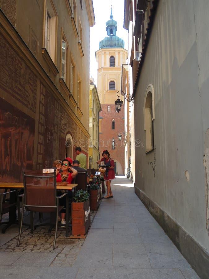 En gata av Warszawa royaltyfria foton
