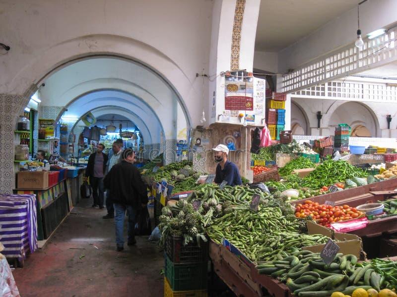 En greengrocery på Souken. Tunis. Tunisien arkivfoton