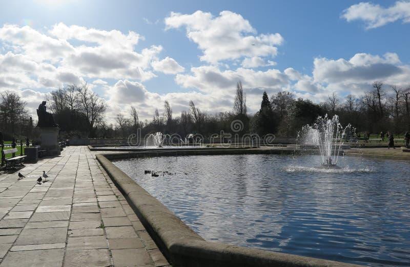 En härlig dag i Hyde Park royaltyfri foto