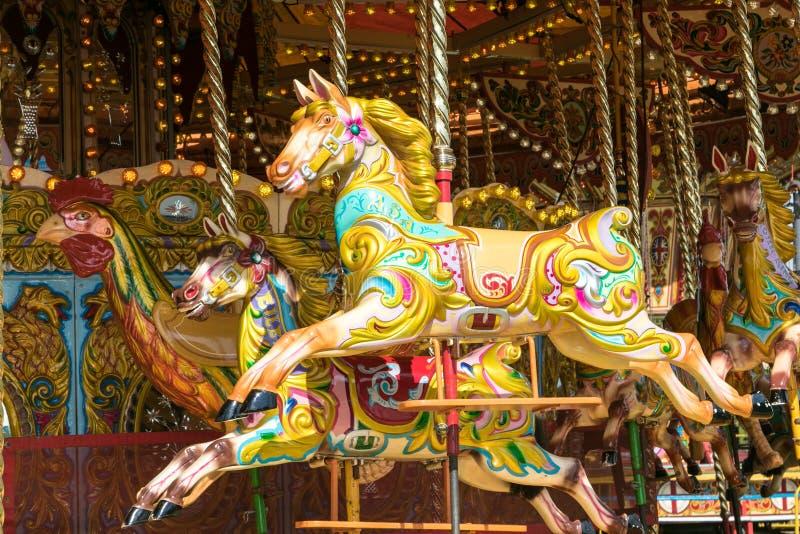 En härlig guld- karusell på den Dorset ångamässan arkivbild