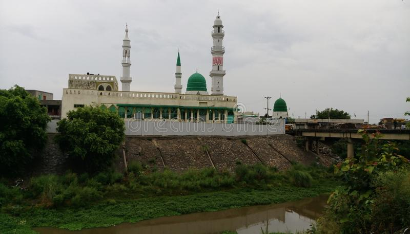 En härlig masjid i min stad Sialkot royaltyfri fotografi