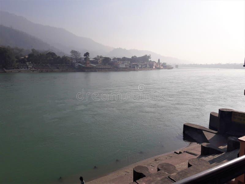 En härlig sikt av heliga Ganges River royaltyfri fotografi
