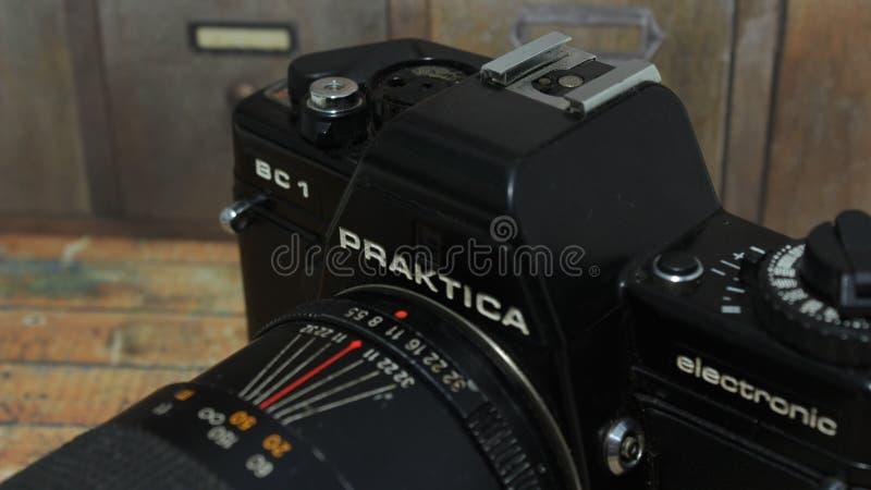 En härlig tappningfotokamera royaltyfria bilder