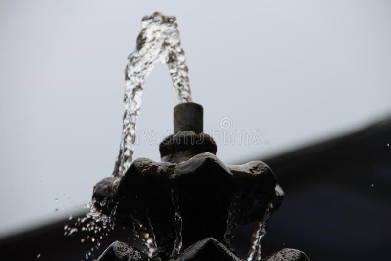 En härlig vattenspringbrunn royaltyfri foto