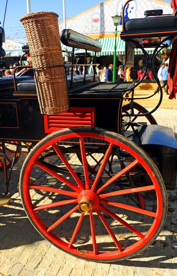 En hästvagn under den Seville mässan i Andalusia, festmåltid i Spanien arkivbild