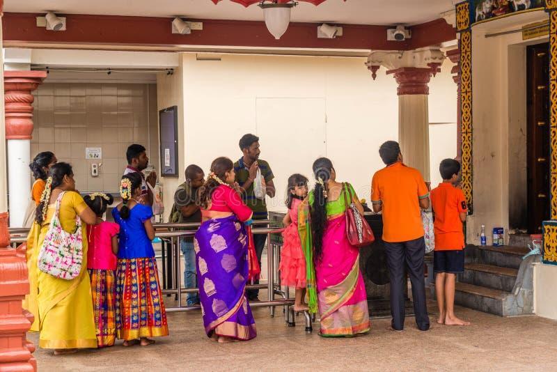 En h?rlig sikt av Sri Mariamman den hinduiska templet i Singapore royaltyfri bild