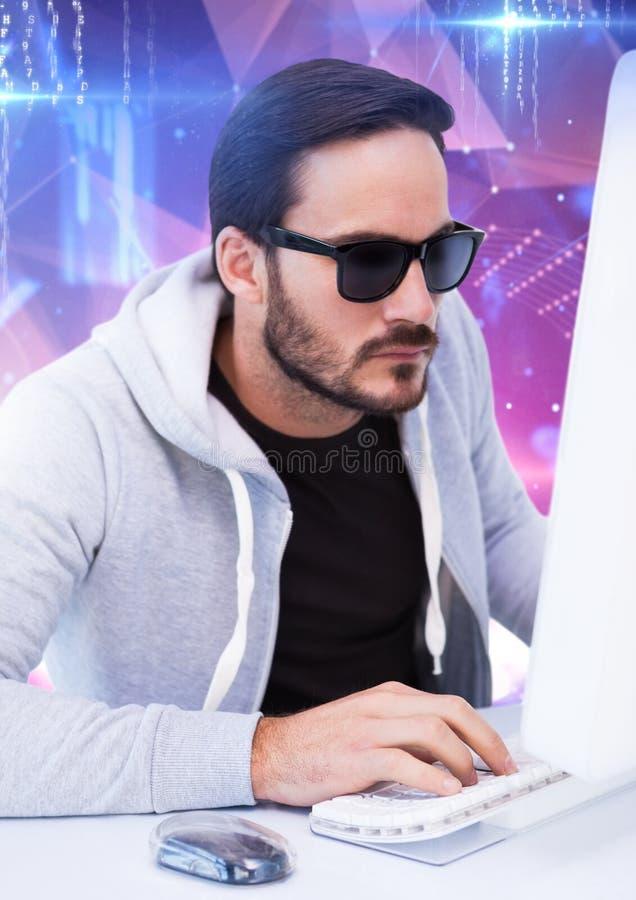 en hacker med solglasögon som framme skriver på ett tangentbord av digital bakgrund royaltyfri illustrationer