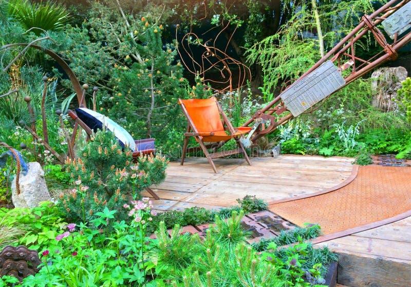 En hantverkareträdgård på Chelsea Flower Show royaltyfri bild