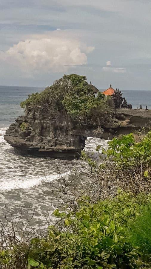 En havsbåge på Bali, Indonesien royaltyfri bild
