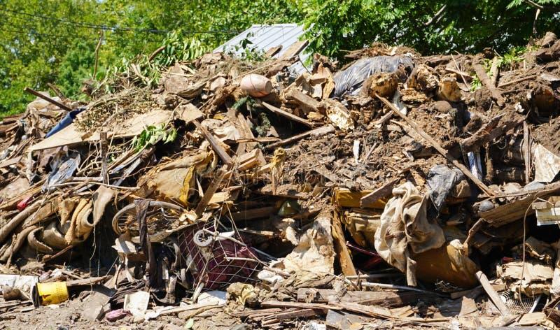 En hem- hög för ` s av förstörelse för spillrororkanHarvey ` s i Lalantgården, Texas 2017 arkivfoto