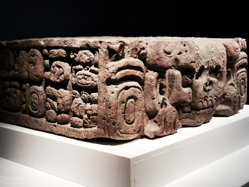 En historia av 100 v?rldsobjekten fr?n British Museum Hong Kong royaltyfri foto