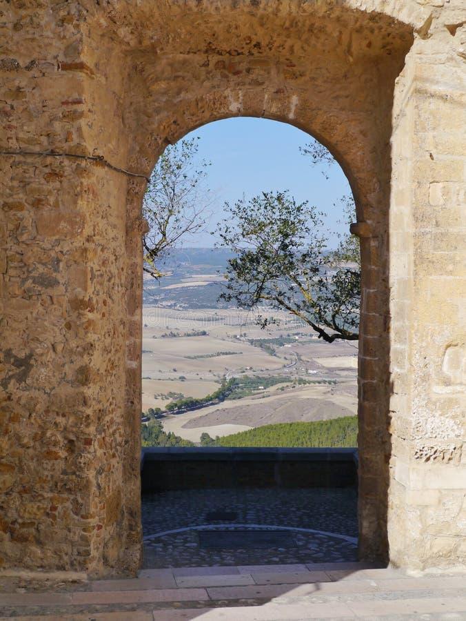 En historisk port i Montescaliose royaltyfria foton