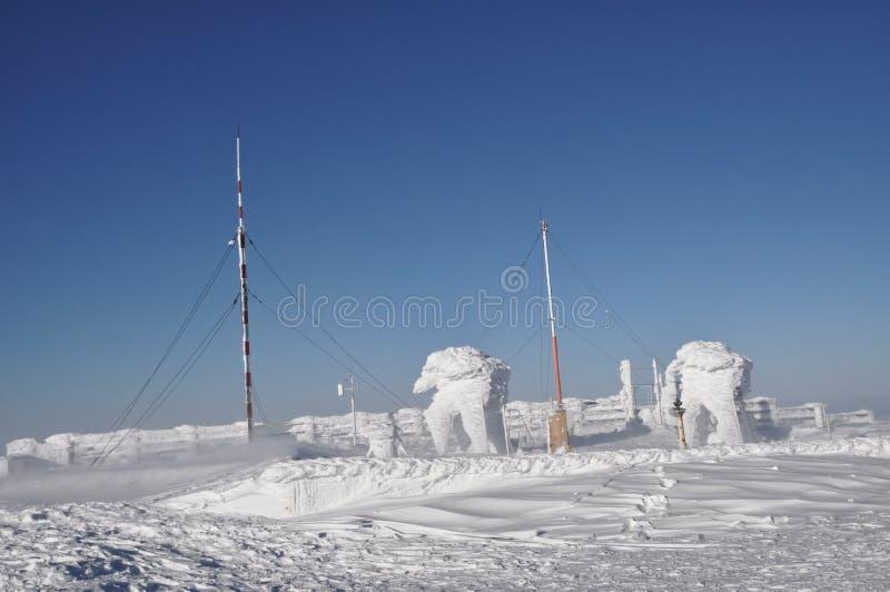 En ice-covered meteorological station royaltyfri bild
