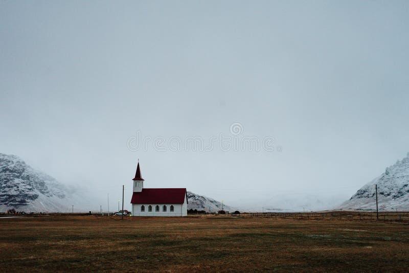 En icelandic kyrka arkivbilder