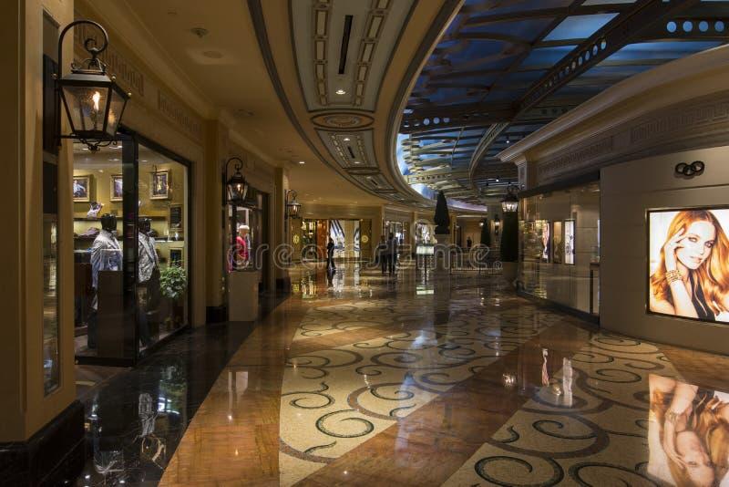 En insidasikt av shoppesna på det Palazzo hotellet i Las Vegas arkivbilder