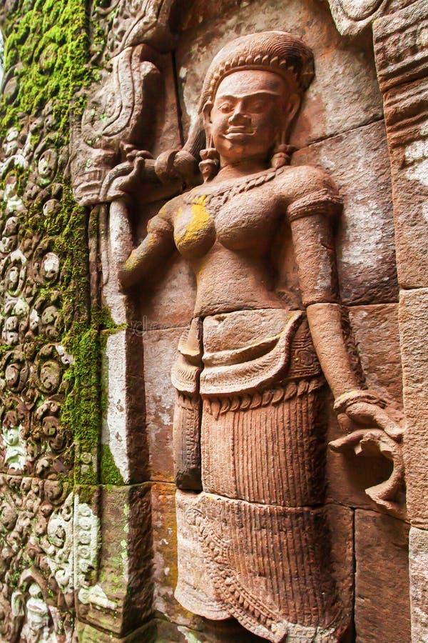 En Khmer Apsaras gamla staty royaltyfria bilder