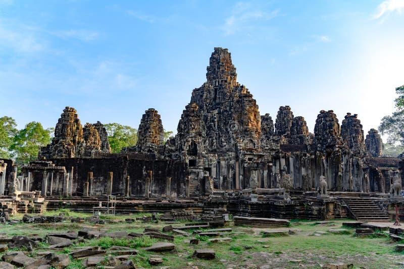 En khmertempel av Angkor Thom, Cambodja Angkor Thom var lasten och mest bestående huvudstad av Khmerväldet arkivfoto