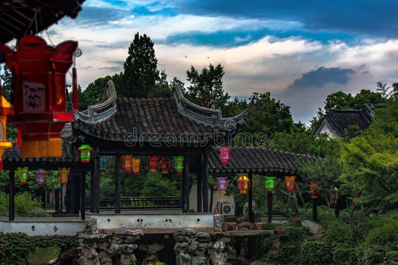 En klassisk kinesträdgård i Wuxi royaltyfri bild