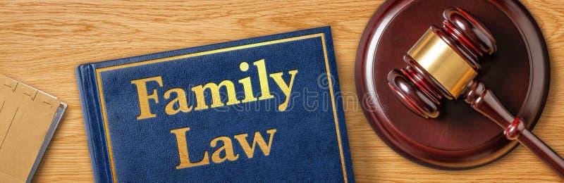 En klubb med en lagbok - familjerätt royaltyfri foto