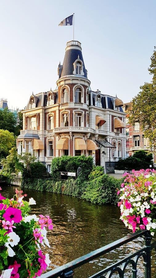 En kontorsbyggnad i Amsterdam royaltyfri fotografi