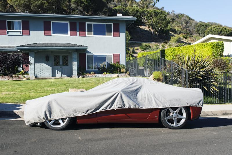 En konvertibel bil för klassisk tappning i gatan i Los Angeles royaltyfria foton