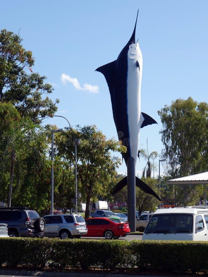 En kopia av en blå Marlin som används som en advertizingsymbol på en köpcentrum royaltyfri foto