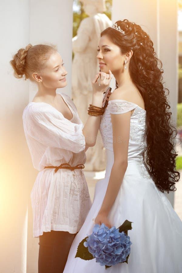 En kropp för kvinna` s Lår i vit underbyxor Begrepp på ämnet av royaltyfria foton