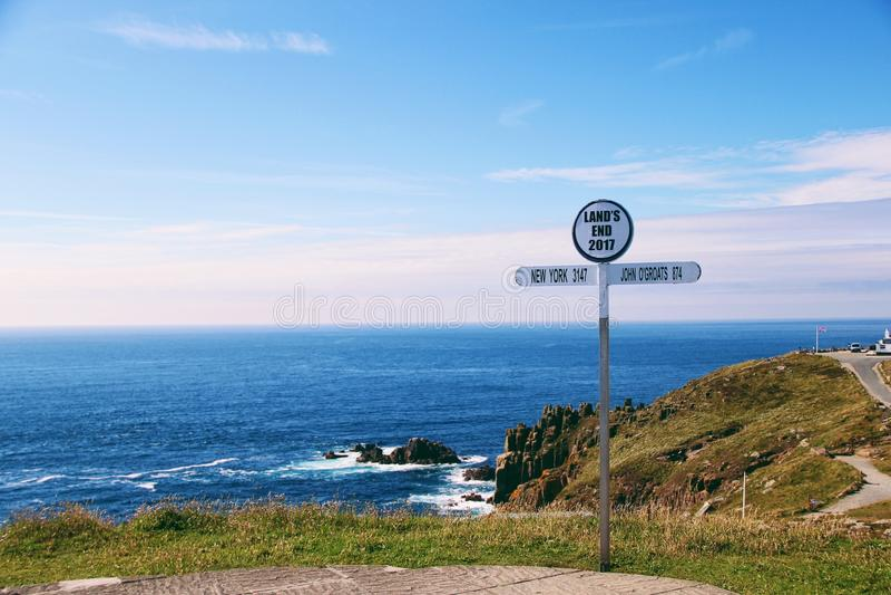 En kustlinje i slut för land` s royaltyfria foton