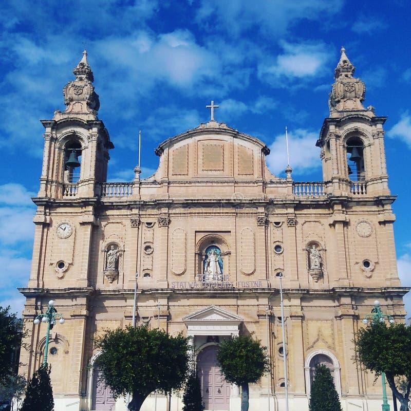En kyrka i Malta royaltyfria foton
