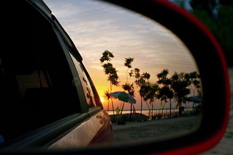 En lång solnedgång royaltyfria bilder