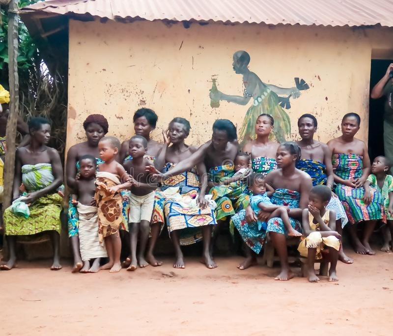 En la ceremonia danza del woodoo de la oveja y de la GEN Anfoin, Togo imágenes de archivo libres de regalías