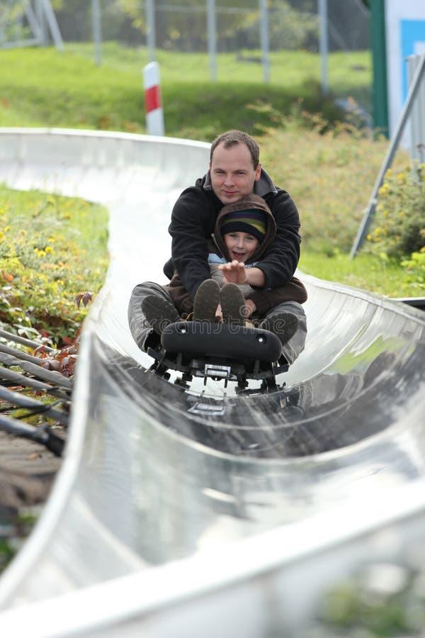 En la corrida del bobsled imagenes de archivo
